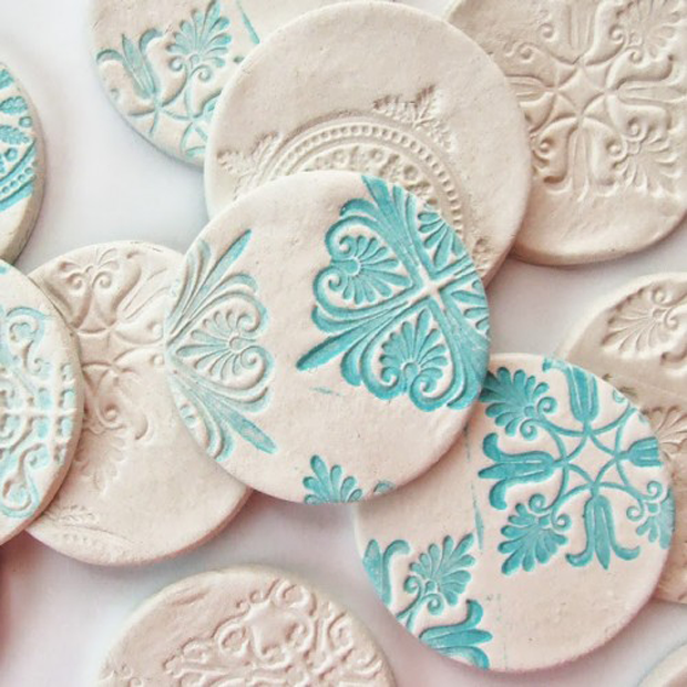 beautiful-diy-stamped-clay-magnets-1-500x500