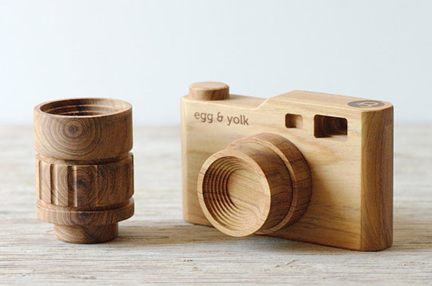 egg_and_yolk_wooden_camera