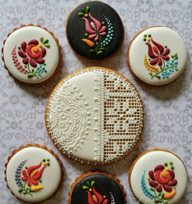embroidered_cookies_2